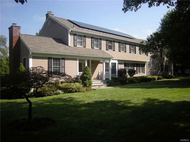 4 BR,  4.50 BTH  Colonial style home in White Plains
